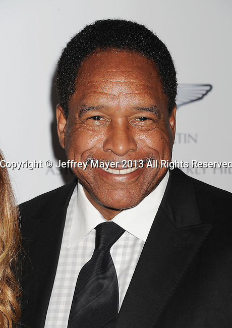 CENTURY CITY, CA- MAY 03:   Former MLB Player Dave Winfield arrives at the 20th Annual Race To Erase MS Gala 'Love To Erase MS' at the Hyatt Regency Century Plaza on May 3, 2013 in Century City, California.
