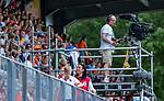 Den Bosch  - TV cameraman,   tijdens   de Pro League hockeywedstrijd heren, Nederland-Belgie (4-3).    COPYRIGHT KOEN SUYK