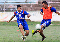 SANTA MARTA – COLOMBIA, 26-09-2019: Luis Carlos Arias y Henry Pernia del Unión Magdalena durante entrenamiento hoy, 25 de septiembre de 2019, en el estadio Sierra Nevada de la ciudad de Santa Marta. / Luis Carlos Arias and Henry Pernia of Union Magdalena during training today, september 25, 2019, at Sierra Nevada stadium in Santa Marta city. Photo: VizzorImage / Gustavo Pacheco / Cont