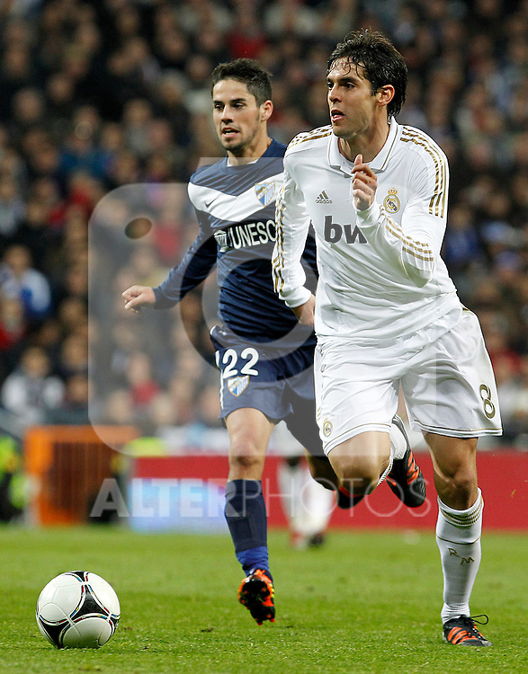 Real Madrid's Kaka (r) and Malaga's Isco during Spanish King's Cup match.January 3,2011. (ALTERPHOTOS/Acero)
