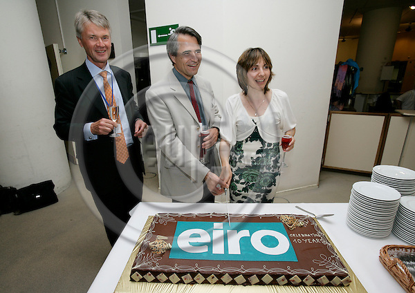 BRUSSELS - BELGIUM - 14 JUNE 2007 -- EUROFOUNDS European leading monitoring instrument EIRO (European Industrial Relations Observatory) marked its 10th anniversary with a big cake after the presentation of the Industrial Relations Developments in Europe 2006 report. From left cutting the cake EUROFOUNDS Director Jorma KARPPINEN, Jackie MORIN, head of unit, DG EMPL and Stavroula DEMETRIADES, research coordinator for the Industrial Relations team at Eurofound. Photo: Erik Luntang/EUP-IMAGES