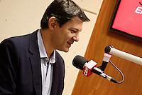 SAO PAULO,  22 AGOSTO 2012 - ELEICOES SP - FERNANDO HADDAD - SP - O candidato a prefeitura de Sao Paulo, Fernando Haddad do PT durante entrevista a radio CBN na manha dessa quarta-feira na regiao central da capital paulista. FOTO LOLA OLIVEIRA - BRAZIL PHOTO PRESS