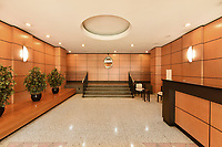 Lobby at 6035 Broadway