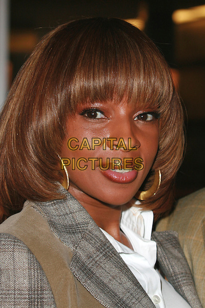 "MARY J. BLIGE.""I Think I Love My Wife"" Los Angeles Premiere held at ArcLight Cinemas, Hollywood, California, USA..March 7th, 2007.headshot portrait gold hoop earrings .CAP/ADM/CH.©Charles Harris/AdMedia/Capital Pictures"