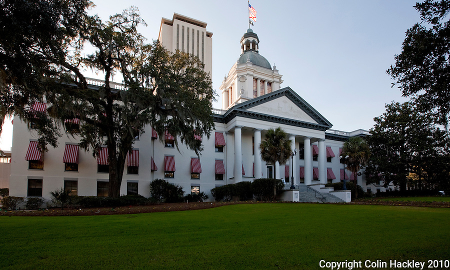TALLAHASSEE, FLA. 3/1/10-FLORIDA OLD CAPITOL CH03-The Old Capitol, foreground, and Capitol buildings in Tallahassee, Fla...COLIN HACKLEY PHOTO