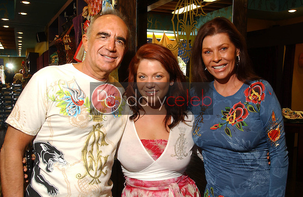 Robert Shapiro with Allie Kingsley and Linell Shapiro<br />at the Christian Audigier gifting experience benefitting the Brent Shapiro Foundation. Christian Audigier, Los Angeles, CA. 03-27-07<br />Dave Edwards/DailyCeleb.com 818-249-4998