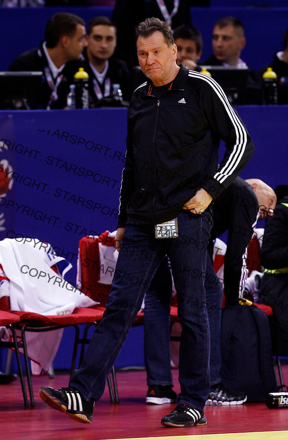 NIS, SERBIA 4/12/2012/ France national handball team head coach Olivier Krumbholz during Women`s European Handball Championship Group B match between France and FYR Macedonia (FYROM) in Cair arena in city of Nis in southern Serbia on  December 4, 2012 Credit: PEDJA MILOSAVLJEVIC/SIPA/