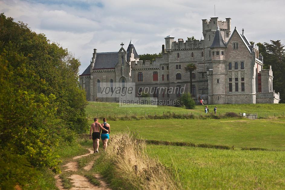 Europe/France/Aquitaine/64/Pyrénées-Atlantiques/Pays-Basque/Hendaye: Chateau d'Abbadia construit en 1870 par  Eugène Viollet-le-Duc pour Antoine d'Abbadie d'Arrast vu depuis le Domaine d'Abbadia