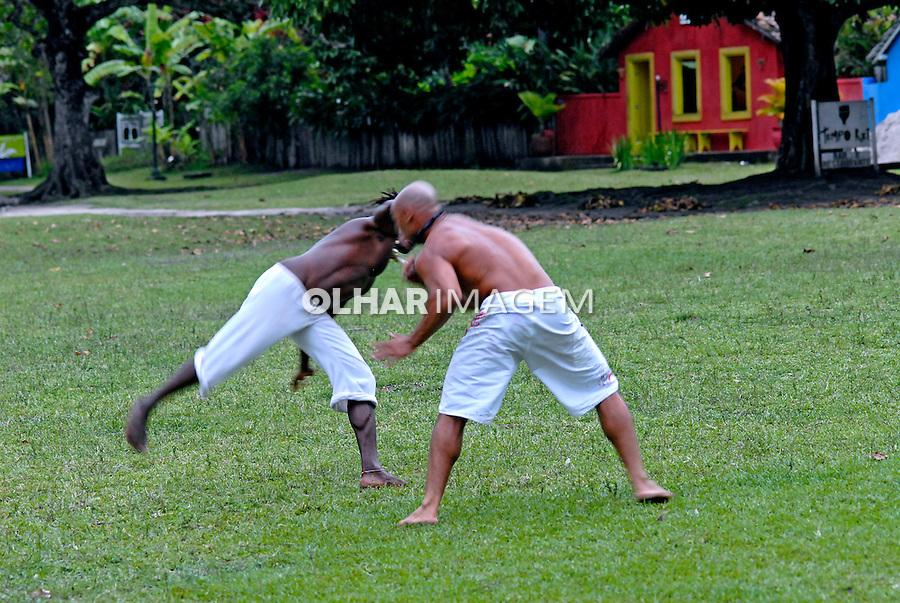 Jogo de capoeira em Trancoso. Bahia. 2007. Foto de Ricardo Azoury.
