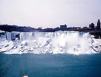 WATERFALL: NIAGARA FALLS IN WINTER<br />