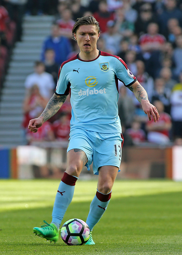 Burnley's Jeff Hendrick in action<br /> <br /> Photographer David Shipman/CameraSport<br /> <br /> The Premier League - Middlesbrough v Burnley - Saturday 8th April 2017 - Riverside Stadium - Middlesbrough<br /> <br /> World Copyright &copy; 2017 CameraSport. All rights reserved. 43 Linden Ave. Countesthorpe. Leicester. England. LE8 5PG - Tel: +44 (0) 116 277 4147 - admin@camerasport.com - www.camerasport.com