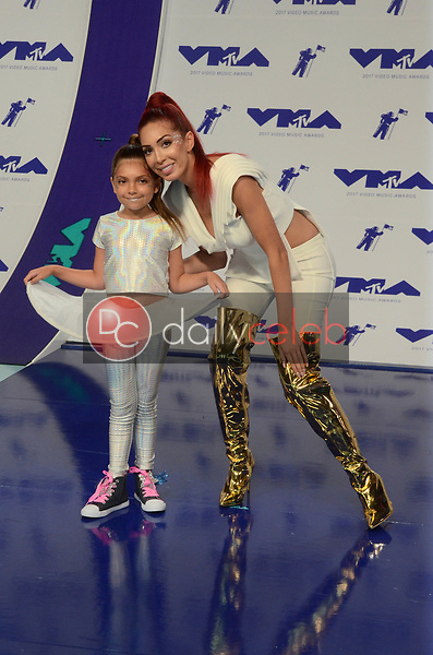 Farrah Abraham, Sophia Abraham<br /> at the 2017 MTV Video Music Awards, The Forum, Inglewood, CA 08-27-17<br /> David Edwards/DailyCeleb.com 818-249-4998
