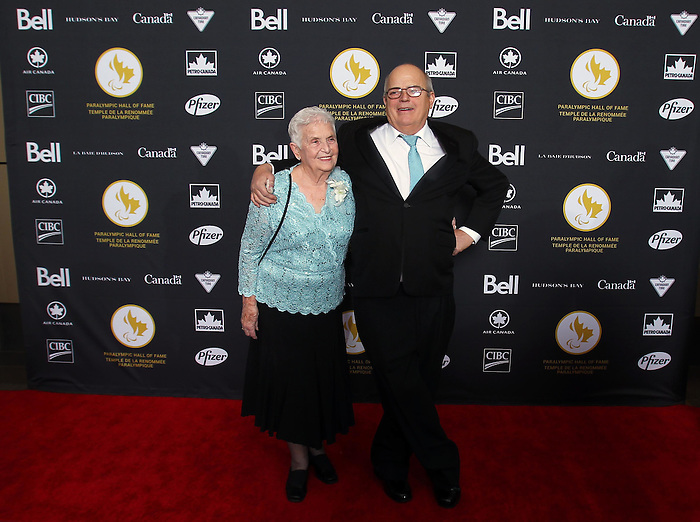 Ottawa, ON – Nov 27 2015 – Audrey Strom with her family poses for a photo at the Canadian Paralympic Hall of Fame in Ottawa, Ontario Nov 27, 2015. Strom was inducted into the Hall of Fame in the Builder category. Photo Andre Forget / Canadian Paralympic Committee