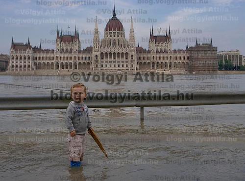Hungary's main river Danube flooded roads surrounding the river banks in Budapest, Hungary. Sunday, 28. June 2009. ATTILA VOLGYI