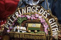 Europe/France/Provence-Alpes-Côte d'Azur/13/Bouches-du-Rhône/Camargue/Les Saintes-Maries-de-la-Mer : Fête des gitans - Pélerinage des gitans - Procession Sainte-Sara - Rerésentation d'une roulotte traditionnelle