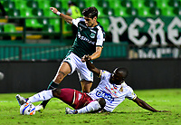 PALMIRA - COLOMBIA, 23-09-2018: Matías Cabrera (Izq.) jugador de Deportivo Cali disputa el balón con Luis Paz (Der.) jugador de Deportes Tolima, durante partido de la fecha 11 entre Deportivo Cali y Deportes Tolima, por la Liga Aguila II 2018, jugado en el estadio Deportivo Cali (Palmaseca) de la ciudad de Cali. / Matias Cabrera (L) player of Deportivo Cali vies for the ball with Luis Paz (R) player of Deportes Tolima, during a match of the date 11th between Deportivo Cali and Deportes Tolima, for the Liga Aguila II 2018 at the Deportivo Cali (Palmaseca) stadium in Cali city. Photo: VizzorImage  / Nelson Rios / Cont.