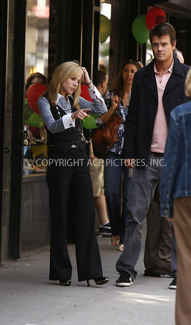 WWW.ACEPIXS.COM . . . . .  ....May 7 2008, New York City....Actress Kristin Bell and actor Josh Duhamel were on the set of the new movie 'When in Rome' on Madison Avenue in the Upper East Side of Manhattan.....Please byline: AJ Sokalner - ACEPIXS.COM..... *** ***..Ace Pictures, Inc:  ..te: (646) 769 0430..e-mail: info@acepixs.com..web: http://www.acepixs.com