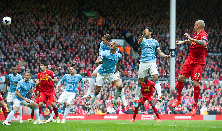 Football - Barclays Premiership - Liverpool v Manchester