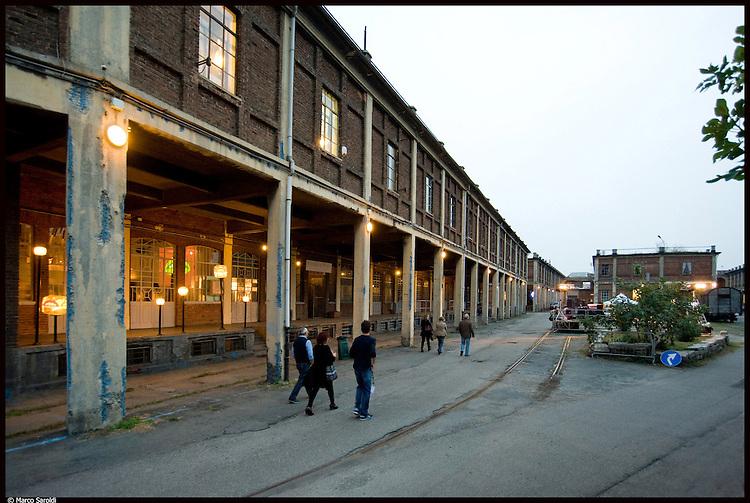 6 ottobre 2012. Il giorno della festa del centenario dei Docks Dora di Torino, luogo simbolo dell'architettura industriale del 900, oggi sede di studi professionali e atelier d'artisti.