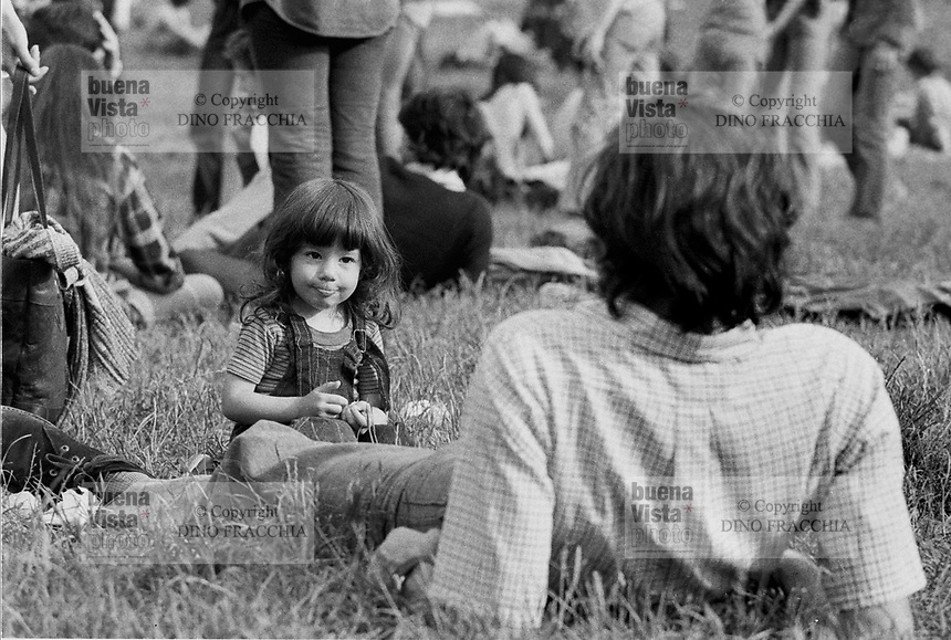 """- """"Re Nudo"""" rock music festival in Lambro Park  (Milan, 1975)....- festa del Proletariato Giovanile di """"Re Nudo"""" al Parco Lambro  (Milano, 1975)"""