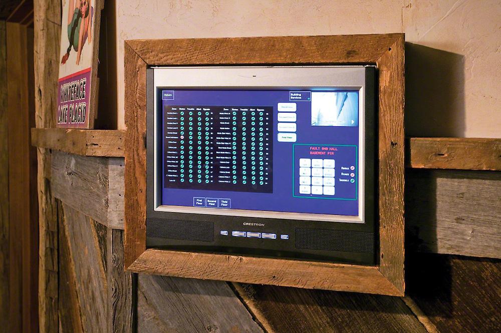 Crestron CCTV Touch Panel