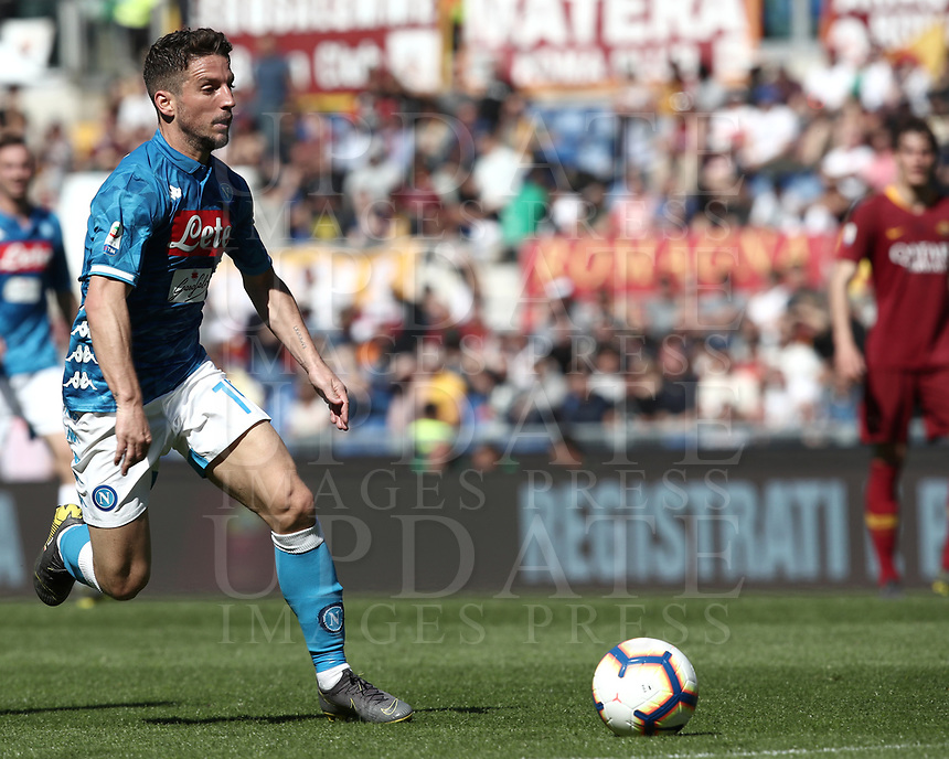Football, Serie A: AS Roma - SSC Napoli, Olympic stadium, Rome, March 31, 2019. <br /> Napoli's Dries Mertens in action during the Italian Serie A football match between Roma and Napoli at Olympic stadium in Rome, on March 31, 2019.<br /> UPDATE IMAGES PRESS/Isabella Bonotto