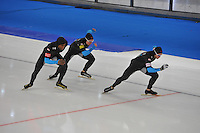 SCHAATSEN: BERLIJN: Sportforum, 07-12-2013, Essent ISU World Cup, Team Pursuit, Shani Davis, Jonathan Kuck, Joey Mantia (USA), ©foto Martin de Jong
