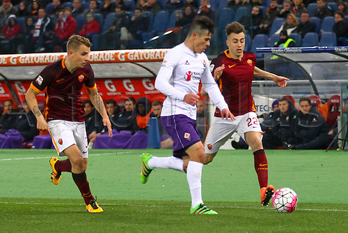 04.03.2016. Stadium Olimpico, Rome, Italy.  Serie A football league. AS Roma versus Fiorentina. El SHAARAWY STEPHAN runs into a defensive tackle