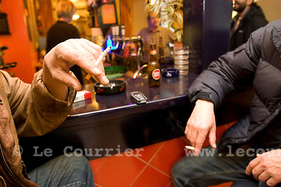 Genève, le 29.10.2008.fumée dans les bistrots..© Le Courrier / J.-P. Di Silvestro