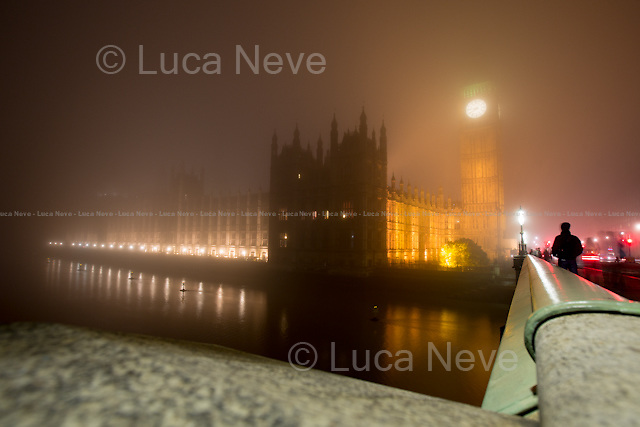 London, 01/11/2015. A magical fog embraced London today.