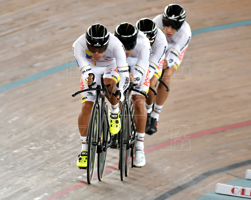 CALI – COLOMBIA – 17-02-2017: Equipo de Colombia en la prueba Persecucion por equipos Varones en el Velodromo Alcides Nieto Patiño, sede de la III Valida de la Copa Mundo UCI de Pista de Cali 2017. / Colombia Team in the Men Team Pursuit Race at the Alcides Nieto Patiño Velodrome, home of the III Valid of the World Cup UCI de Cali Track 2017. Photo: VizzorImage / Luis Ramirez / Staff.
