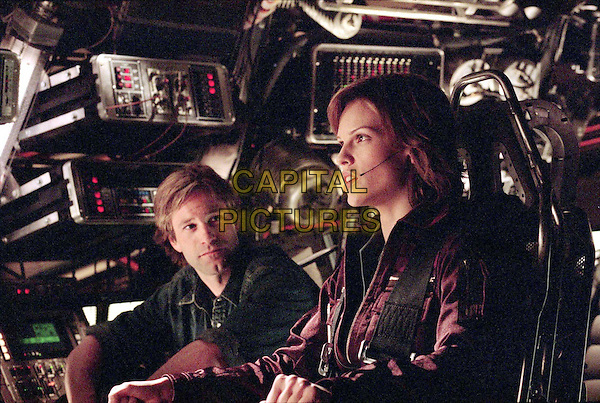 AARON ECKHART & HILARY SWANK.in The Core.Filmstill - Editorial Use Only.CAP/AWFF.supplied by Capital Pictures.