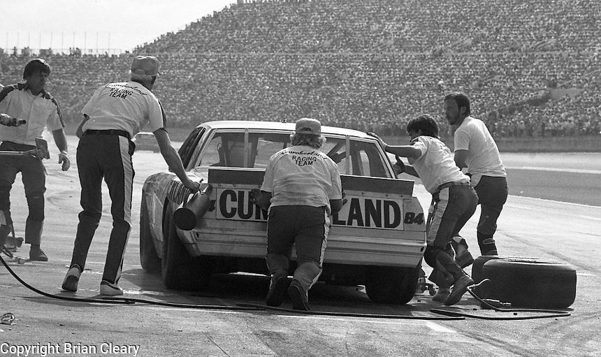 Jody Ridley 84 pits pit stop Daytona 500 at Daytona International Speedway in Daytona Beach, FL on February  1984. (Photo by Brian Cleary/www.bcpix.com)