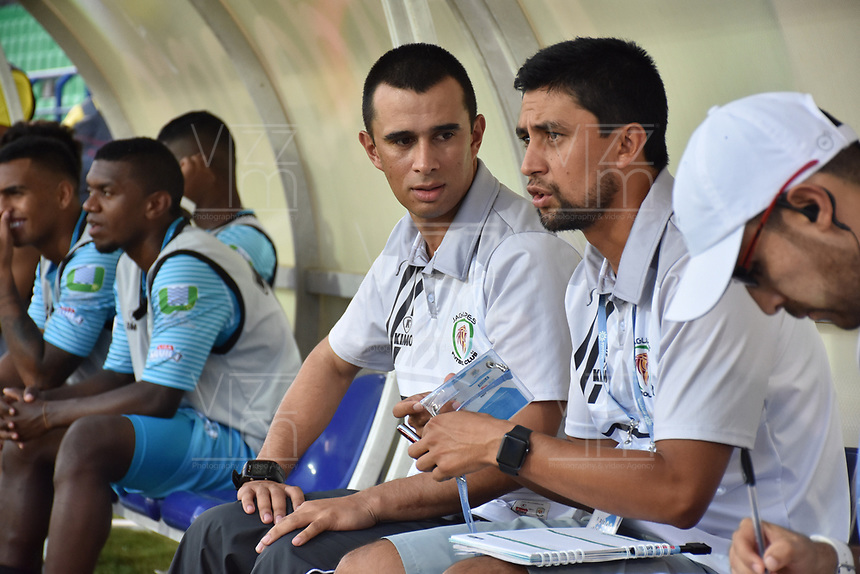 MONTERIA - COLOMBIA, 02-03-2019: John Jairo Bodmer técnico del Jaguares gesticula durante el partido por la fecha 8 de la Liga Águila I 2019 entre Jaguares de Córdoba y Deportes Tolima jugado en el estadio Jaraguay de la ciudad de Montería. / John Jairo Bodmer Suarez coach of Jaguares gestures during match for the date 8 as part Aguila League I 2019 between Jaguares de Cordoba and Deportes Tolima played at Jaraguay stadium in Monteria city. Photo: VizzorImage / Andres Felipe Lopez / Cont