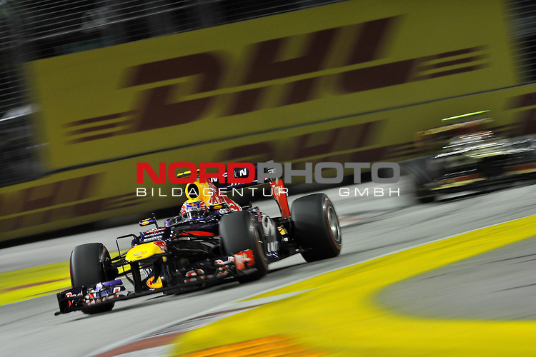 19.-22.09.2013, Marina-Bay-Street-Circuit, Singapur, SIN, F1, Grosser Preis von Singapur, Singapur, DHL Branding - Mark Webber (AUS), Red Bull Racing <br />  Foto &copy; nph / Mathis