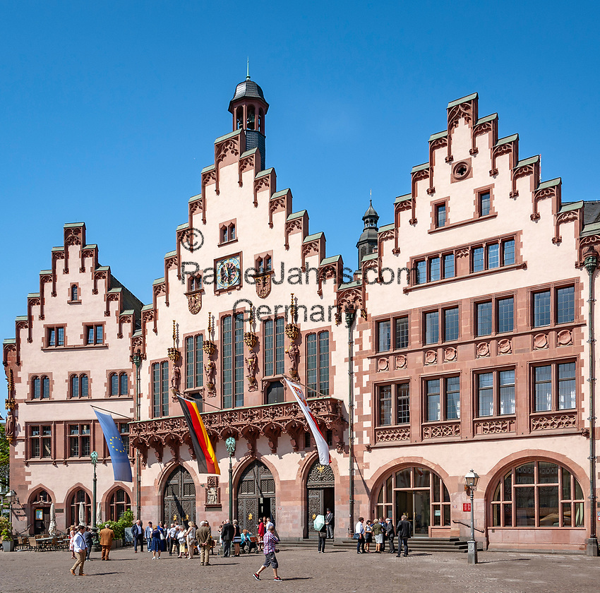 Germany, Hesse, Frankfurt on the Main: The Roemer - the town's cityhall and landmark | Deutschland, Hessen, Frankfurt am Main: der Roemer -Rathaus und Wahrzeichen der Stadt