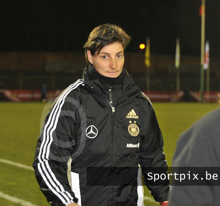 U17  Netherlands - U17 Germany : Anouschka Bernhard (GER) ..foto DAVID CATRY / Vrouwenteam.be