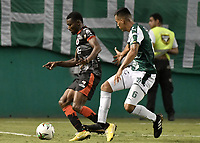 PALMIRA - COLOMBIA, 31-03-2019: Christian Rivera del Cali disputa el balón con Henry Obando del Cucuta durante partido por la fecha 12 de la Liga Águila I 2019 entre Deportivo Cali y Cúcuta Deportivo jugado en el estadio Deportivo Cali de la ciudad de Palmira. / Christian Rivera of Cali vies for the ball with Henry Obando of Cucuta during match for the date 12 as part Aguila League I 2019 between Deportivo Cali and Cucuta Deportivo played at Deportivo Cali stadium in Palmira city.  Photo: VizzorImage / Gabriel Aponte / Staff