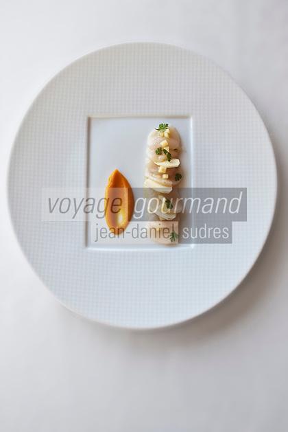 Europe/France/Bretagne/35/Ille et Vilaine/Saint-Malo/ Saint-Servan: Coquilles Saint-Jacques de Plongée, chataignes coing et potimarron acidulé, recette de Luc Mobihan - restaurant: Le Saint-Placide