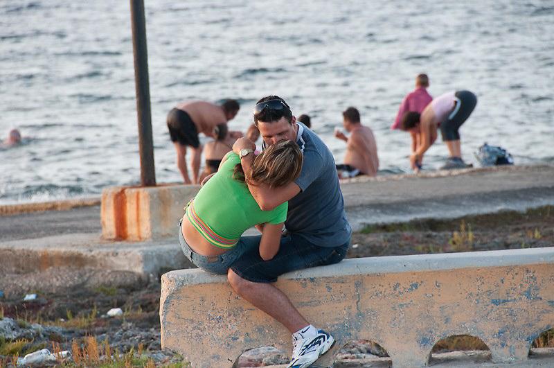 Seafront kiss, Havana