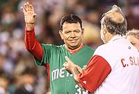 Fernando Valenzuela, Carlos Slim, durante el partido de Italia vs Mexico del torneo Cl&aacute;sico Mundial de Beisbol 2017 en el Estadio de Charros de Jalisco. Guadalajara, Jalisco, Mexico a 9 Marzo 2017 <br /> Photo: NortePhoto.com/Luis Gutierrez)