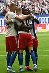 01.09.2019,  GER; 2. FBL, Hamburger SV vs Hannover 96 ,DFL REGULATIONS PROHIBIT ANY USE OF PHOTOGRAPHS AS IMAGE SEQUENCES AND/OR QUASI-VIDEO, im Bild Sonny Kittel (Hamburg #10) schiesst das 1-0 fuer Hamburg und jubelt mit der Mannschaft Foto © nordphoto / Witke *** Local Caption ***