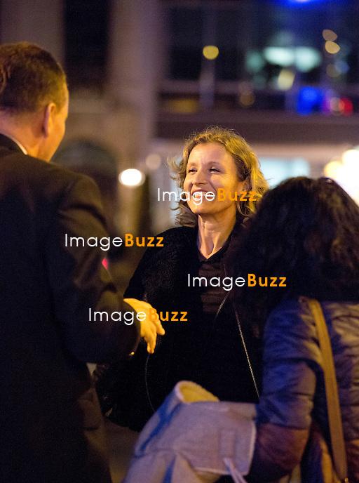 ALEXANDRA LAMY A BRUXELLES, lors d'un passage &eacute;clair de quelques heures seulement dans la capitale europ&eacute;enne pour la promotion de son nouveau film &quot; Jamais le Premier Soir &quot;. Bague au doigt, aurait-elle gard&eacute;e son alliance ? Alexandra Lamy s'est montr&eacute;e joyeuse et souriante entre ses interviews et son avant-Premi&egrave;re &agrave; l' UGC Cin&eacute;mas Toison D'or. Alexandra Lamy &agrave; repris un avion pour Londres vers 20 heures.<br /> Belgique, Bruxelles, 16/01/2014<br /> EXCLUSIF
