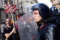 Milano: manifestazione «Occupyamo piazza Affari» per protestare contro la crisi economica e la manovra economica del Governo Monti...