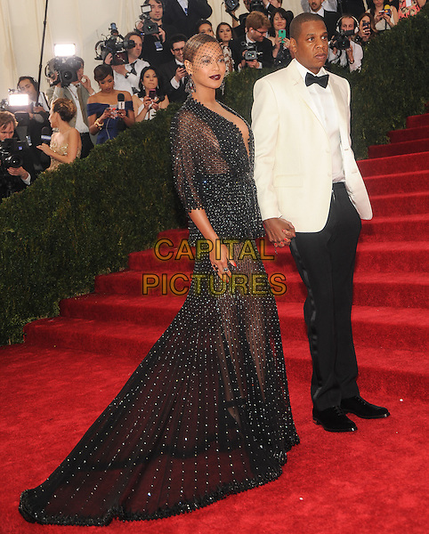 NEW YORK, NY - MAY 5: Beyonce, Jay Z arrives at the Costume Institute Benefit at The Metropolitan Museum of Art on May 5, 2014 in New York. Photo Credit: RTNStevens/MediaPunch<br /> CAP/MPI/RTNSTV<br /> &copy;RTNSTV/MPI/Capital Pictures