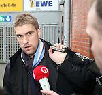 Ivan Klasnic - dreimal die Woche zur Blutwaesche - so lautet die Diagnose beim ehemaligen Werder Stuermer. Ivan ist auf eine neue Niere angwiesen - die von seinem Vater 2007 transplantierte Niere arbeitet nicht mehr. Nun wartet er auf eine neue Niere<br /> Archiv aus: <br />  FBL 2007/2008 -  Training <br /> <br /> Ivan Klasnic ( Bremen CRO #17 ) auf dem Weg in die Profi Mannschaft nach seiner OP ?<br /> <br /> <br /> Foto © nph (nordphoto)