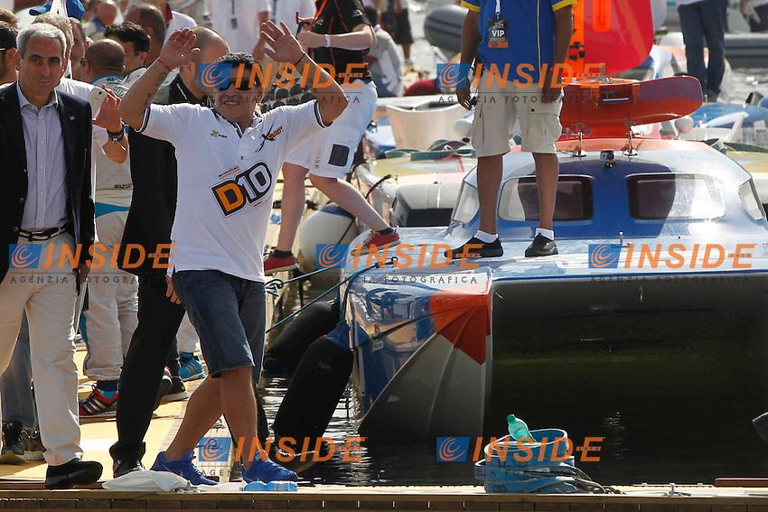 Napoli 25-05-2014 <br /> Diego Armando Maradona torna a Napoli per fare da testimonial per le gare di motonautica valide per le world series del Xcatracing   <br /> Diego Armando Maradona attends as a testimonial to the UIM XCAT World Series Powerboat Racing in Naples<br /> <br /> foto Ciro De Luca / Insidefoto