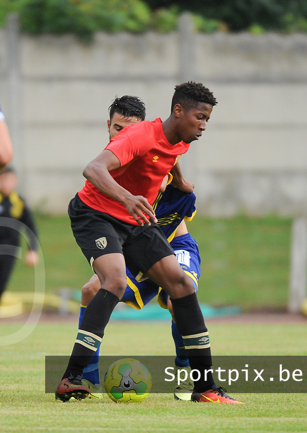 20160713 - DOUAI , FRANCE : RC Lens' Simon Banza pictured during a friendly game between Racing Club de LENS and Waasland Beveren during the preparations for the 2016-2017 season , Wednesday 13 July 2016 ,  PHOTO Dirk Vuylsteke | Sportpix.Be