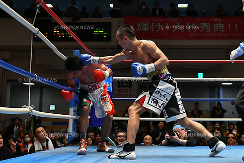 (L-R) Jelbirt Gomera (PHI), Hidenori Otake (JPN),<br /> MARCH 17, 2017 - Boxing :<br /> Hidenori Otake of Japan in action against Jelbirt Gomera of Philippines during the fifth round of the vacant OPBF super bantamweight title bout at Korakuen Hall in Tokyo, Japan. (Photo by Hiroaki Yamaguchi/AFLO)