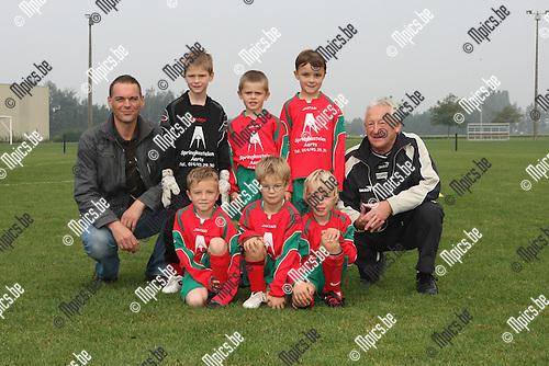 2009-09-19 / Jeugdvoetbal / Gew. U7 KSV Oud-Turnhout D / Louis Geenen, Kasper Hofkens, Wout Vandeven, Daan Goos, Kobe Hannes en Castor Geudues..Foto: Maarten Straetemans (SMB)